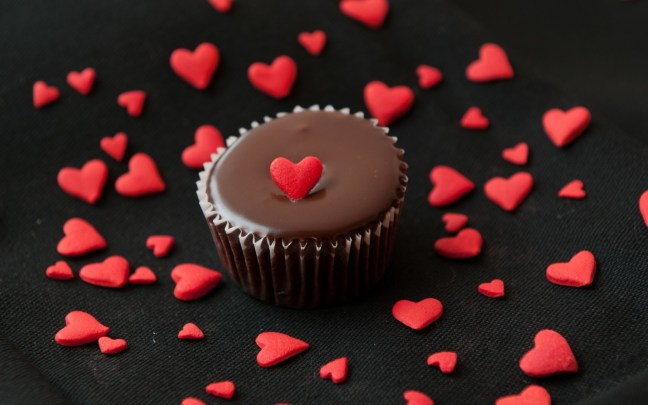 Signs that Food is Your True Valentine – Think In the Box
